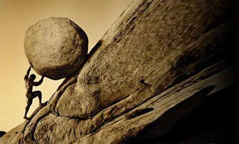 Rodando una roca con esfuerzo
